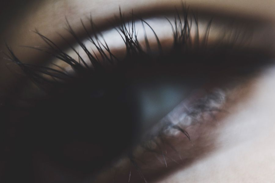 How to have bigger eyelashes naturally
