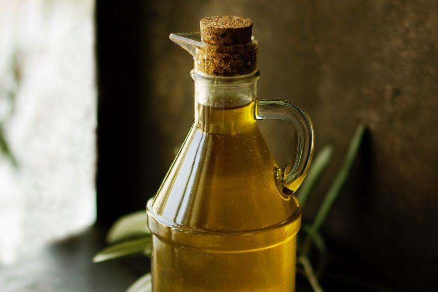 olive oil for halthy eyelashes