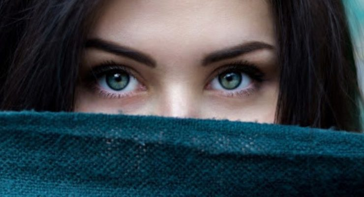 HOW TO MAKE YOUR LASHES IMPRESSIVE